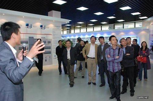 浙江省土木建筑学会智能建筑学术委员会主任吴军先生,浙江省勘察设计